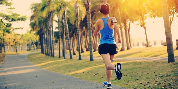 Proper Running Form: Correct Running Techniques [How to Run Guide]