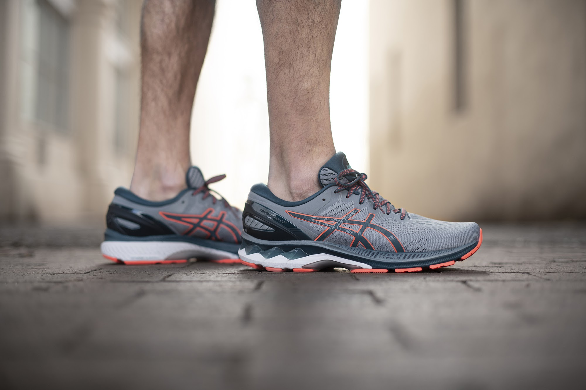celos Interior Abultar  ASICS GEL-Kayano 27 Review: It's Back! The #1 Stability Running Shoe is  Better Than Ever
